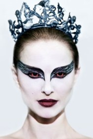 bron: http://main.stylelist.com/2010/12/01/black-swan-makeup-how-to/